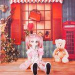 ドール用 天使像のある赤い窓辺 背景布(120cm×60cm)